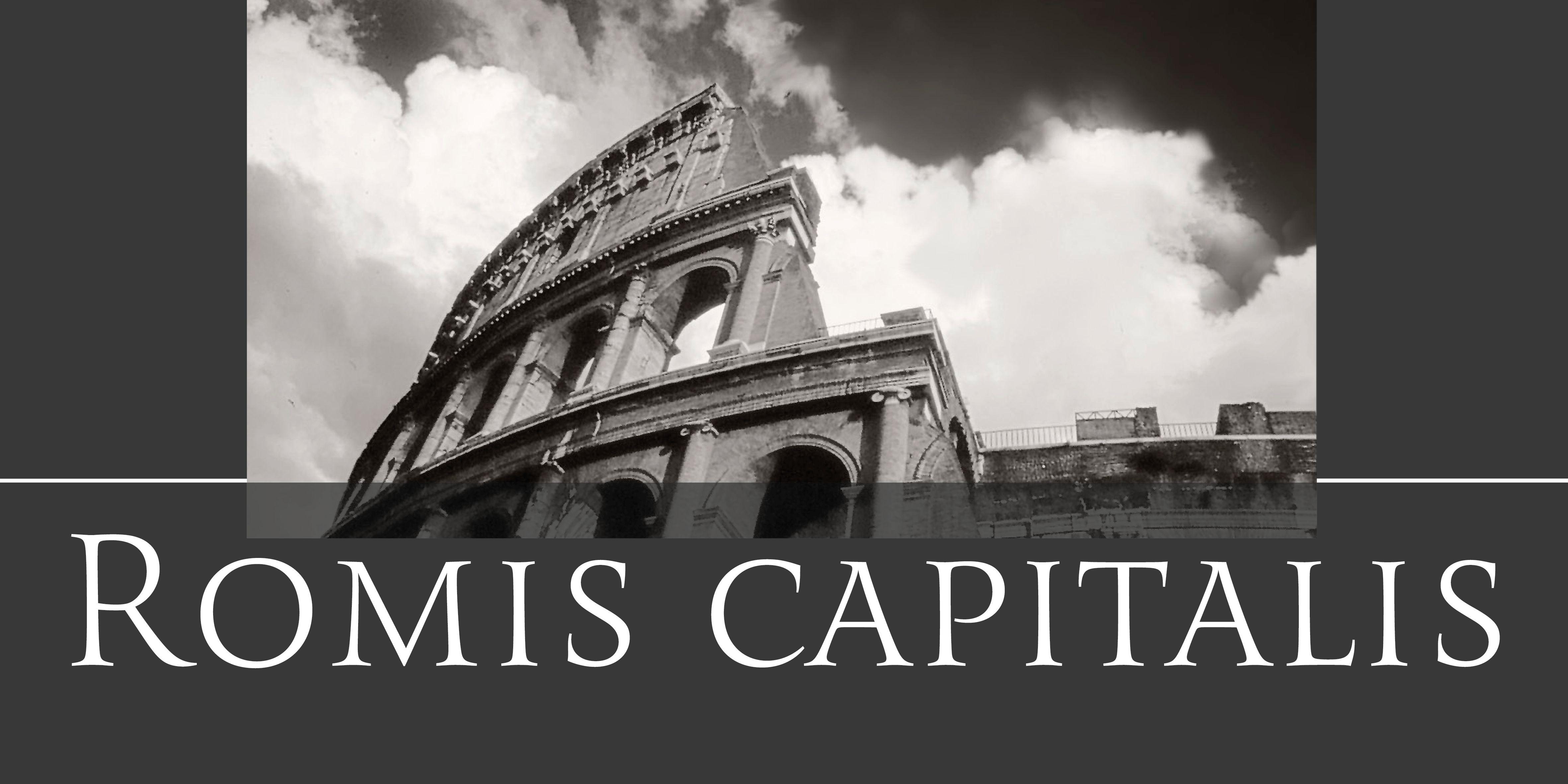 Romis Schriftzug vor dem Colosseum