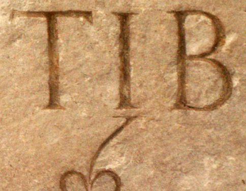 Abb. 6 — Römische Versalien